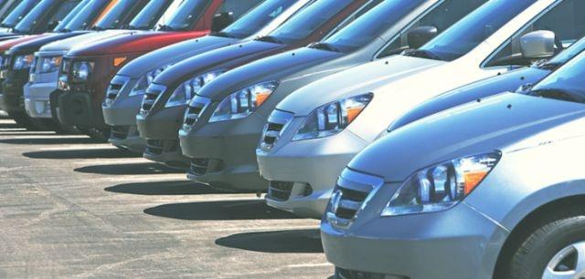 Continúa mala racha, cae 6% venta de autos