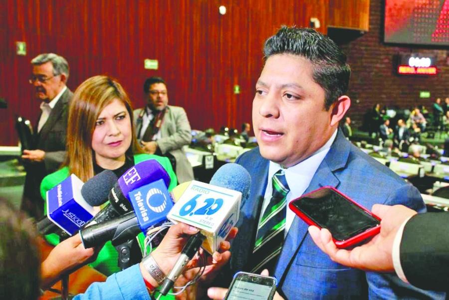 Gallardo convoca a la unidad en el tema de salud
