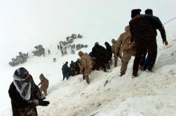 Segunda avalancha en Turquía mata a decenas de rescatistas