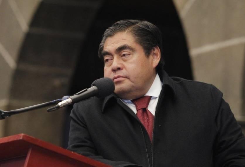 Propone Barbosa eliminar fuero de funcionarios en Puebla