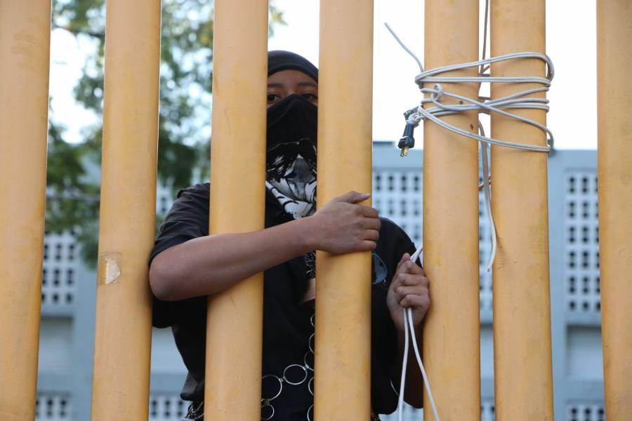 Paristas de prepa 9 se niegan a recibir a autoridades de la UNAM