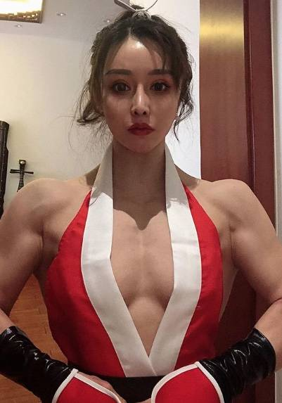 "Vestida de ""Chun Li"", doctora combate el coronavirus en China"