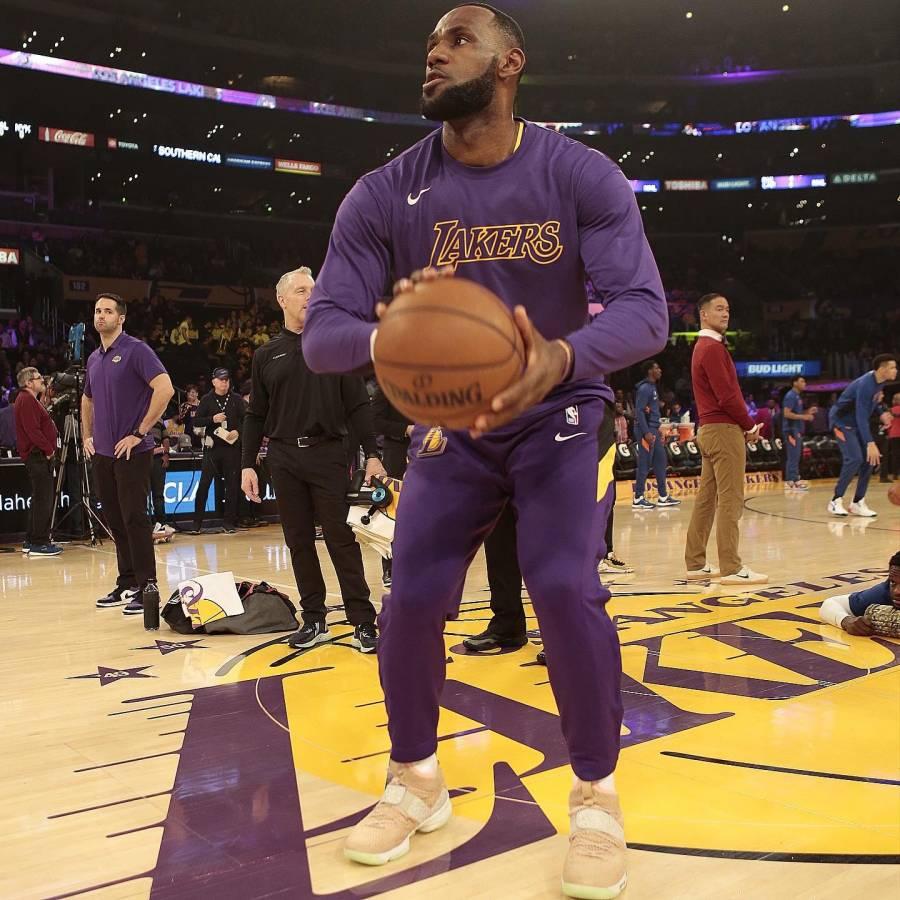 LeBron James hace que recordemos a Kobe Bryant con una jugada