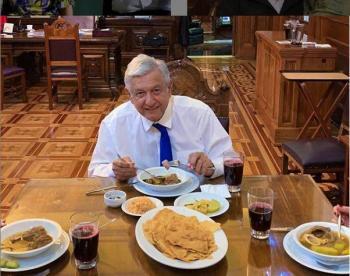 Andrés Manuel promueve restaurante de comida mexicana