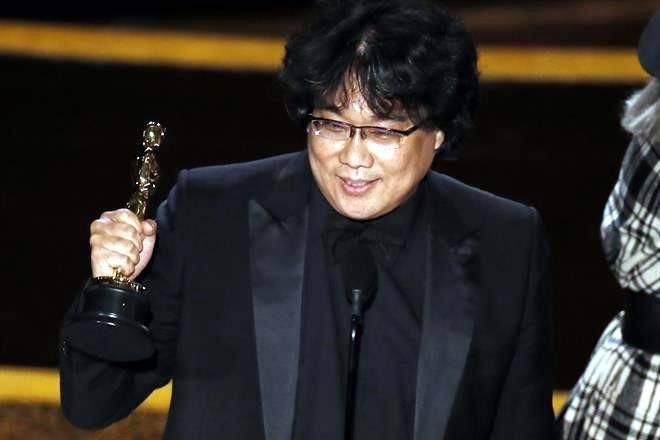 Parásitos obtiene el Óscar a la mejor película, filme extranjero y a mejor director!