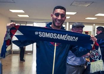 Sebastián Cáceres llega a la CDMX para reportar con el América