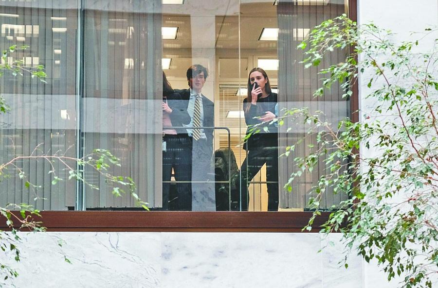 Outsourcing estrena ley y arranca debate abierto