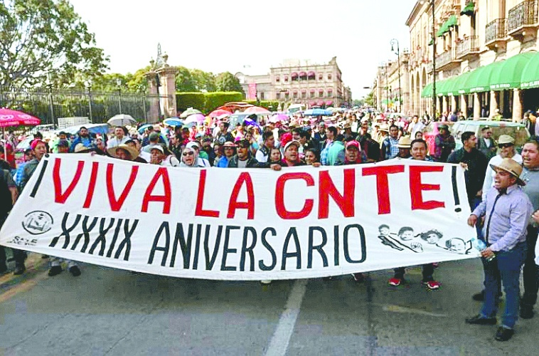 Continúa disputa de dirigencia de S-18 de la CNTE en Michoacán