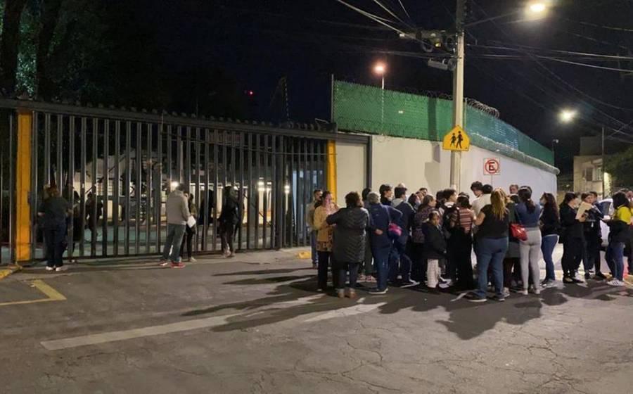 Paristas vuelven a tomar instalaciones de la Prepa 6