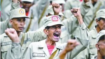 Maduro le da rango militar  a cuerpo civil armado