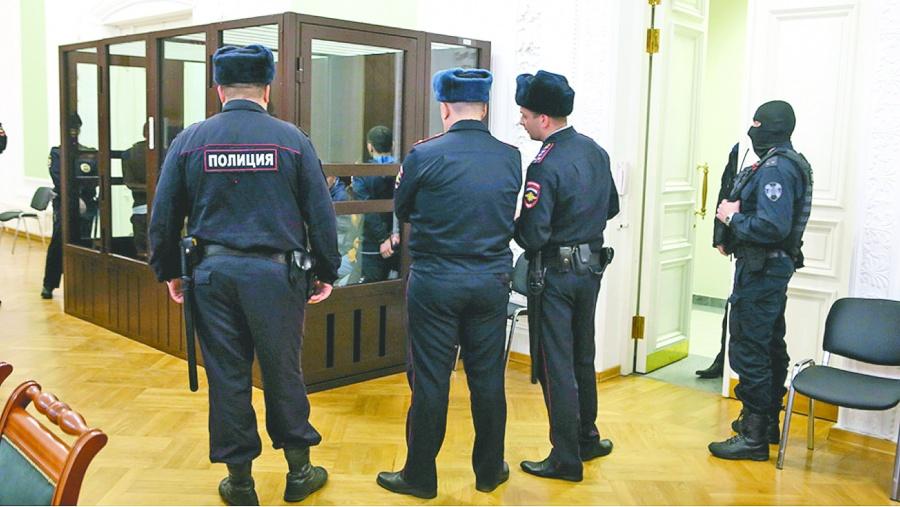 Lo condenan a 3 años de  prisión y se mata en Rusia