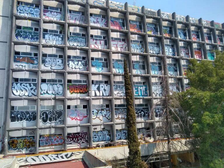 Grafitean Clínica 25 del IMSS en Calzada Ignacio Zaragoza