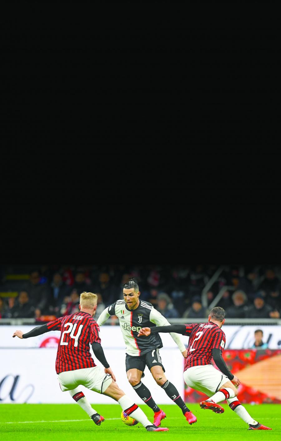 Cristiano empata duelo ante el Milán de Zlatan