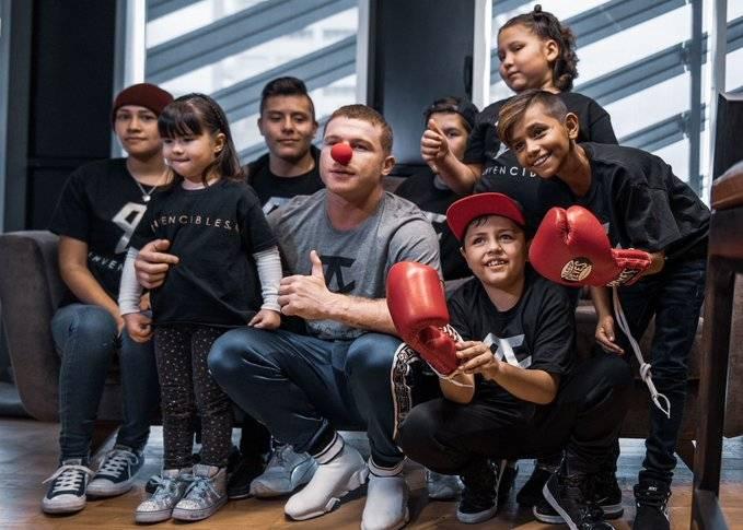 """El """"Canelo"""" Álvarez regala tratamientos para niños con cáncer"""