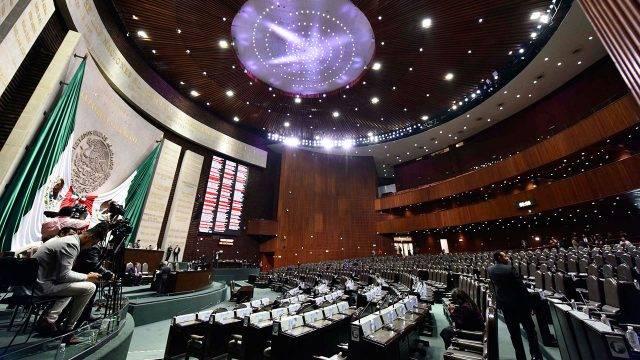 Pleno de Cámara de Diputados aprueba controversia constitucional por altos salarios del INE