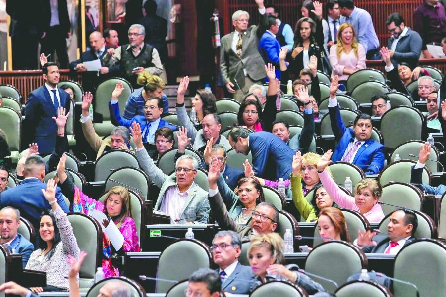 Diputados aprueban convocatoria para consejeros del INE