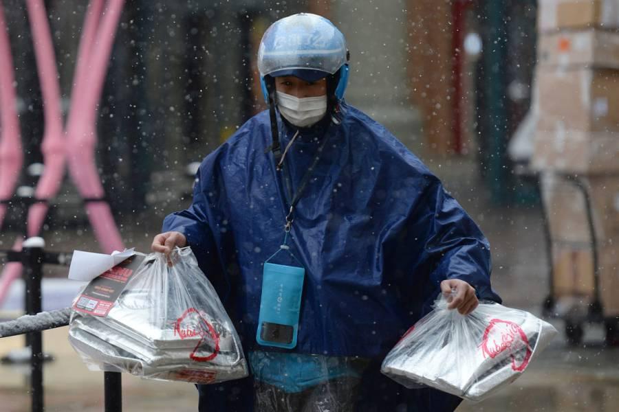 Tecnología móvil china rastrea personas por Covid-19