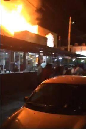 Incendian dos restaurantes en Veracruz