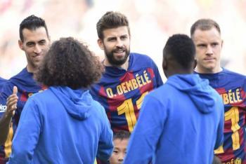 Barcelona sale a la cancha con playera de Dembélé