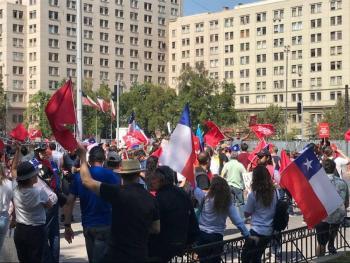 Marchan en Chile en contra de la nueva Constitución