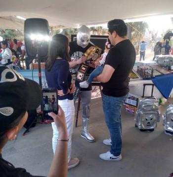 Hijo del Santo denuncia a impostor que apareció en Pachuca