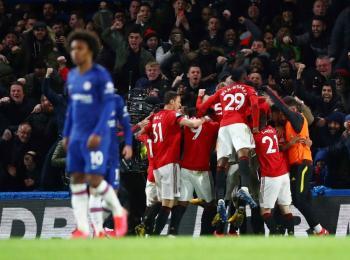 Manchester United gana al Chelsea y se acerca a Europa