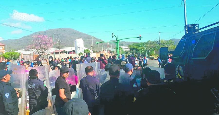 CIDH reclama a México represión de normalistas