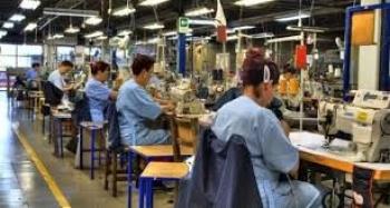 Empleo manufacturero a la baja
