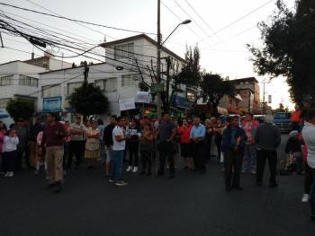 Reportan bloqueo en Avenida Centenario por falta de agua