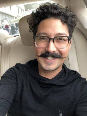 Critican al comediante Mau Nieto por comentarios machistas