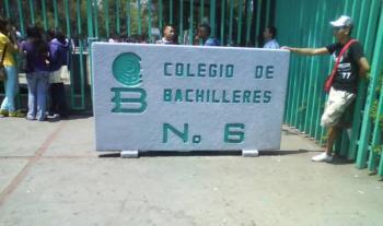 Protestan alumnos del Bachilleres 6; exigen dimisión de directora