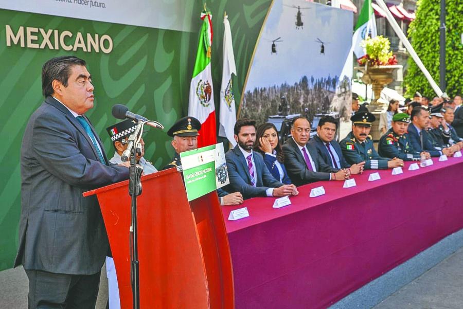 Barbosa afirma que México tiene un Ejército leal y social