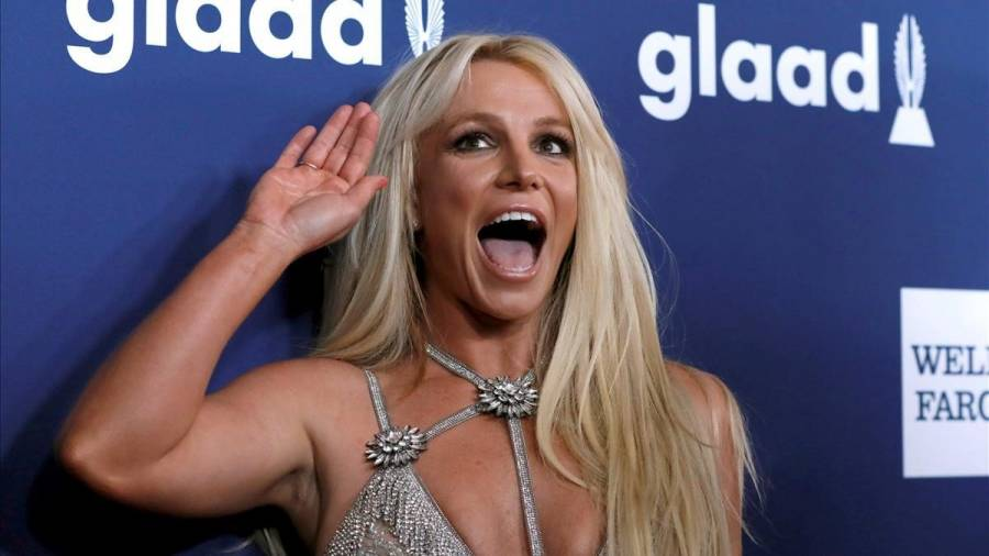 Britney Spears sufre accidente y se fractura el pie