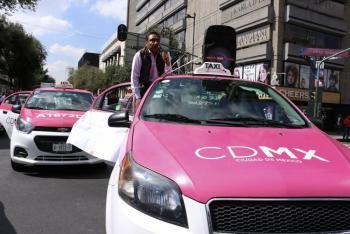 """A """"pedradas"""", taxistas se enfrentan contra policías en Buenavista (Video)"""