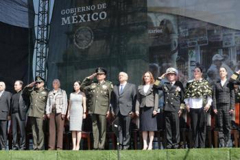 """En su día, agradece AMLO respaldo al Ejército y por dar la """"espalda al golpismo"""""""