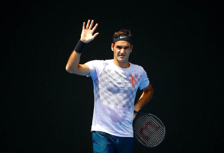Federer se somete a cirugía y deja ir más de 3 mil puntos