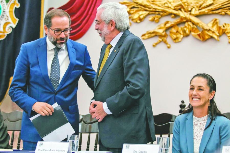Desde feria en Minería, Graue defiende autonomía de la UNAM
