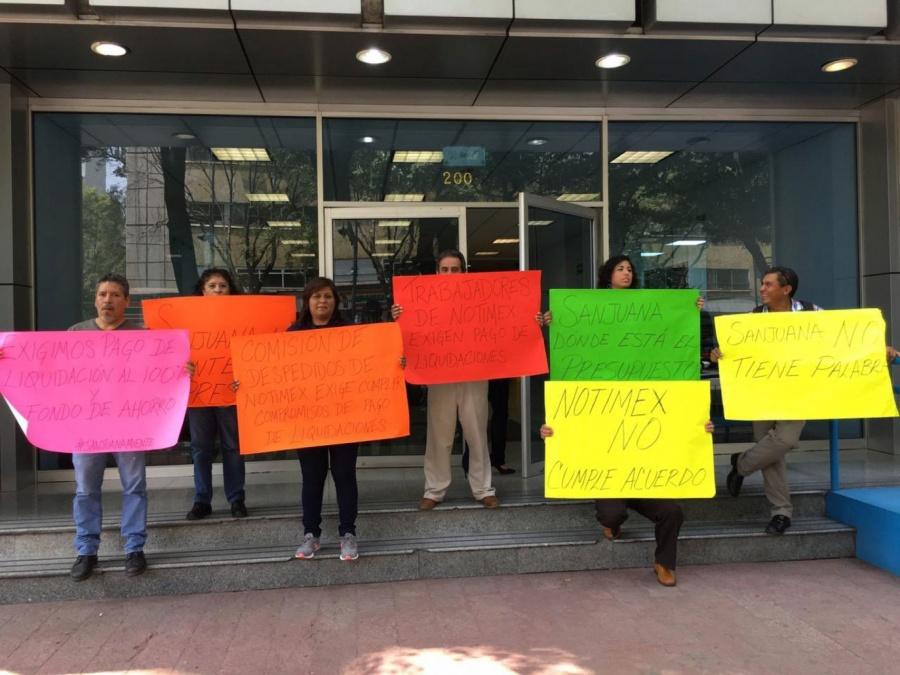 Estalla huelga en Notimex por despidos