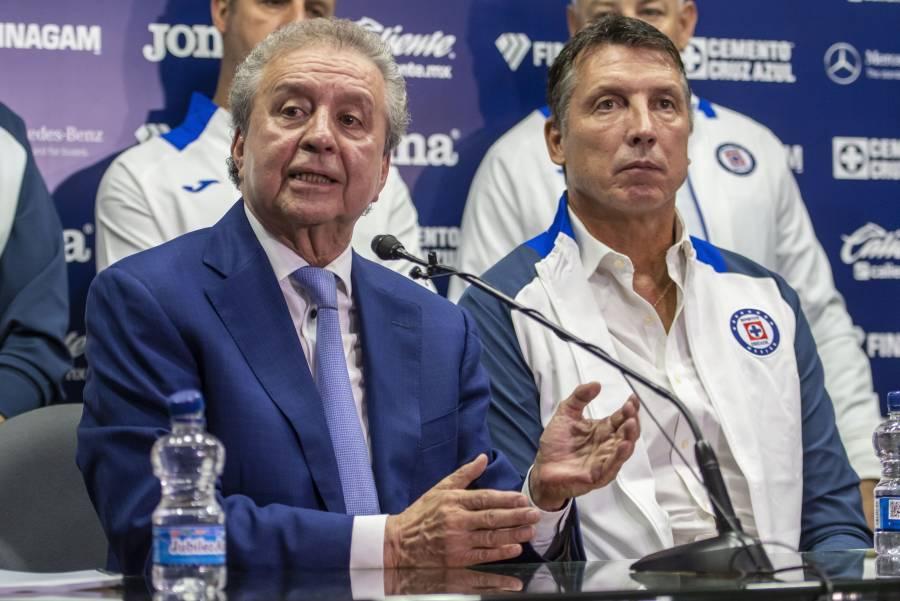 Le niegan amparo a  Víctor Garcés y sale del Cruz Azul