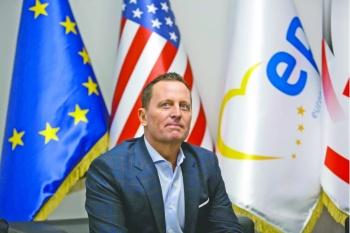 Trump entrega Seguridad Nacional de EU a diplomático