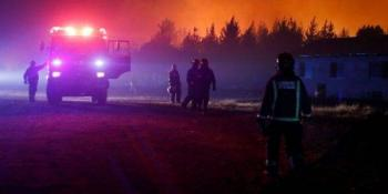 Activan alerta roja por incendios forestales en Chile