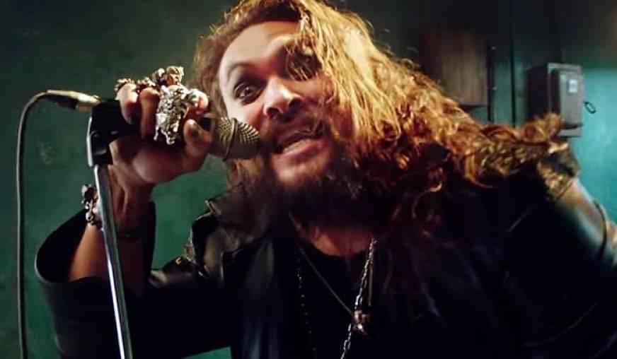 Jason Momoa se convierte en Ozzy Osbourne en nuevo video