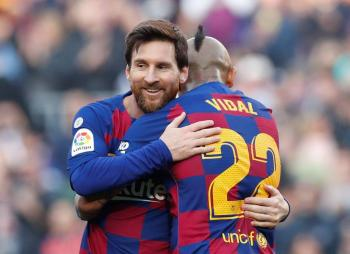 Messi se luce con póker y Barcelona aprieta en la cima de La Liga