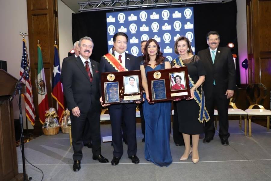 Mario Delgado es reconocido por su labor como legislador, al igual que Nancy Pelosi