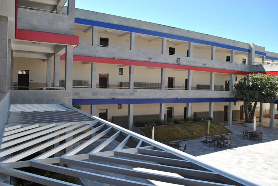Realizan operativo en Colegio Americano tras amenaza de tiroteo