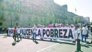 Ambulantes exigen frenar operativos en el Centro