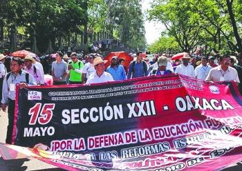 CNTE continúa hostigando a los maestros en Oaxaca
