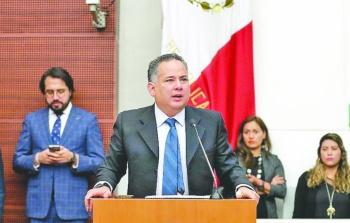 UIF niega que se esté investigando a EPN