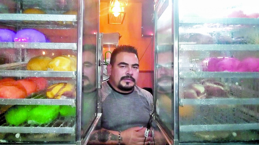 """Mexicano, el """"rey del pan"""" al vapor en el barrio Chino"""