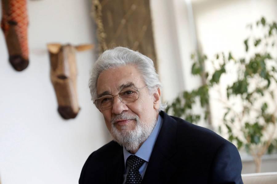 Plácido Domingo pide perdón por acosar a mujeres